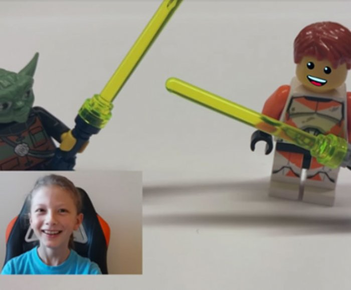 Bringing LEGO minifigures to life using AR and emotion recognition