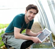 Garden-Guru-Bluetooth-sensor-helps-you-grow-homegrown-food
